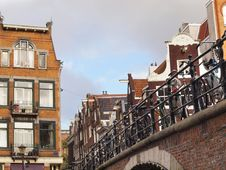Free Amsterdam Canal Royalty Free Stock Image - 28499076