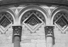 Free Pisa Arched Carving Detail, Italy Royalty Free Stock Photography - 2851677