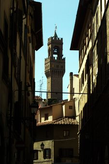 Free Tower From Piazza De Duomo Royalty Free Stock Images - 2851829