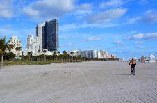 Free Sunny Miami Beach Stock Photos - 2854813