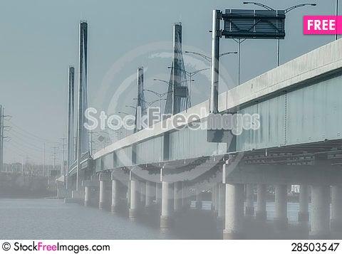 Free Bridge Foggy Day Royalty Free Stock Photography - 28503547