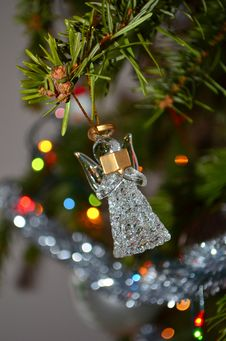 Free Glass Angel On Christmas Tree Royalty Free Stock Photos - 28501188