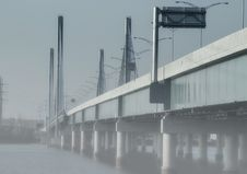 Free Bridge Foggy Day Royalty Free Stock Photography - 28503547