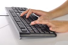 Free Hand Typing Keyboard Royalty Free Stock Photography - 28514027