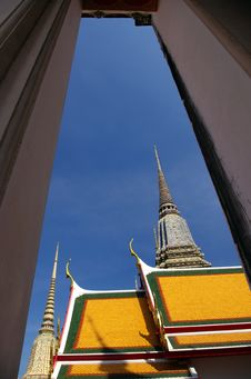 Free Thai Architecture In Wat Pho Royalty Free Stock Image - 28516666