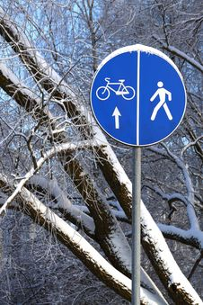 Free Winter Road Sign Stock Photography - 28532562