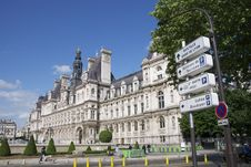 Free Paris Royalty Free Stock Photography - 28534497