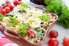 Free Vegetable Pasta With Parmesan Cheese Stock Photography - 28537942