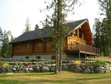 Free Golden Log Cabin Scenic Royalty Free Stock Photography - 28538167