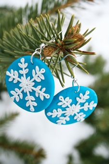 Free Blue Fimo Earrings With Snowflake Model Stock Image - 28548111