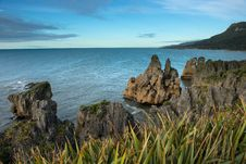 Free Sea Coast From Punakaki National Park, New Zealand. Stock Image - 28550271