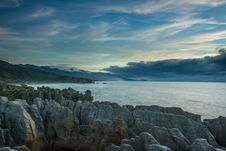 Free Sea Coast From Punakaki National Park, New Zealand. Royalty Free Stock Photo - 28550295