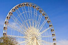 Free Ferris Wheel In Blue Sky Royalty Free Stock Image - 28554546