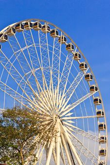 Free Ferris Wheel In Blue Sky Stock Image - 28554551