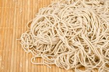 Free Raw Buckwheat Noodles 7 Royalty Free Stock Photography - 28556027