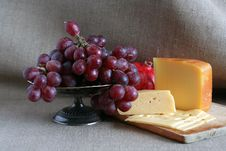 Free Cheese And Fruits Royalty Free Stock Photos - 28563268