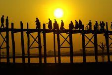 Free Mandalay Bridge Royalty Free Stock Image - 28563986