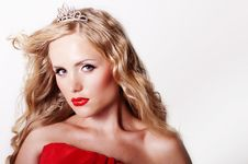 Beautiful Fashion Girl With Red Makeup Royalty Free Stock Images