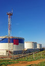 Free Oil Storage Tanks Royalty Free Stock Photo - 28583715