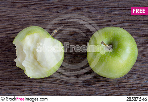 Free Green Apple And Bitten Green Apple, Royalty Free Stock Image - 28587546