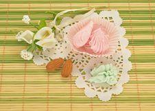 Free Valentine Gift Stock Image - 28581281