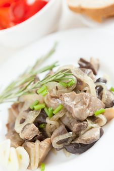 Free Roasted Oyster Mushrooms On A White Plate Stock Images - 28590614