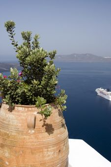 Free Harbor View Santorini Stock Photography - 2866502