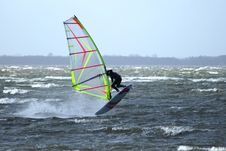 Free Windsurfer Airjibe Royalty Free Stock Images - 2868619