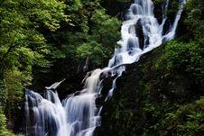 Free Beautiful Waterfall. Stock Images - 2869064