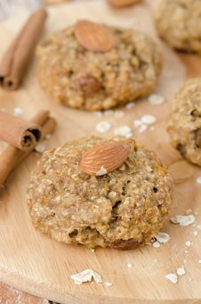 Homemade Oatmeal Cookies With Spices And Nuts Closeup Royalty Free Stock Images