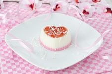 Free Two-layer Cream Dessert In The Form Of Heart With Coconut Stock Photography - 28602812