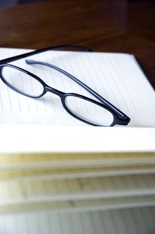 Free Black Frame Eyeglasses Stock Photo - 28604010