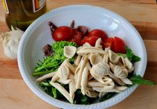 Free Italian Cuisine - Orecchiette And Turnip Greens Royalty Free Stock Images - 28607149