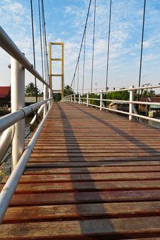 Free Cable Bridge Royalty Free Stock Photos - 28617538