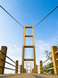 Free Cable Bridge Pole Royalty Free Stock Photo - 28618065