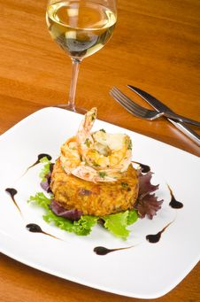 Free Garlic Shrimps And Latke And A Glass Of Wine 2 Royalty Free Stock Photography - 28625587