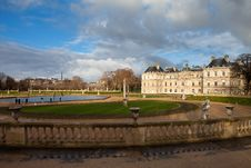 Free Palace In Luxembourg Park In Paris Stock Photos - 28643283
