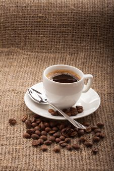 Free Cup Of Coffee, Grains Royalty Free Stock Photography - 28659057
