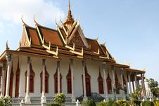 Free Silver Pagoda Buddhist Shrine Royalty Free Stock Photo - 28678045