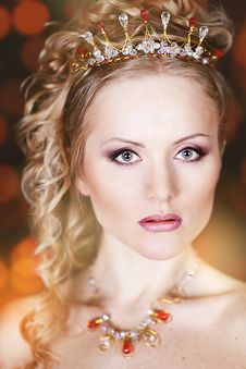 Free Portrait Of A Beautiful Young Bride Royalty Free Stock Photo - 28681095