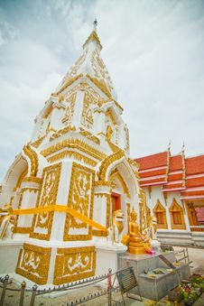 White And Gold Pagoda Royalty Free Stock Photography