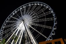 Free Ferris Wheel At Night Royalty Free Stock Photo - 28691905