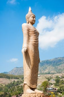 Free Huge Buddha Statue Royalty Free Stock Photo - 28698145