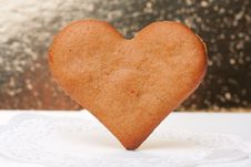 Free Heart-shaped Gingerbread Stock Photo - 28698910