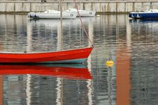 Free Docklands Sailboat Royalty Free Stock Image - 2871116