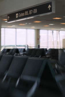 Free Airport Concourse Royalty Free Stock Photo - 2871485