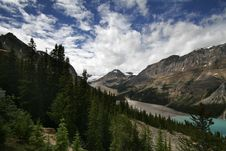 Free Bow Lake And Bow Mountain Royalty Free Stock Images - 2871869