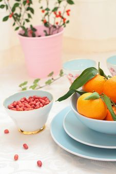 Free Ripe Clementines And Red Skin Pinuts Stock Images - 28704874