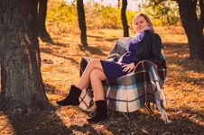 Free Pregnant Woman In Autumn Park Royalty Free Stock Photography - 28711927