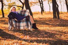 Free Pregnant Woman In Autumn Park Stock Image - 28711961
